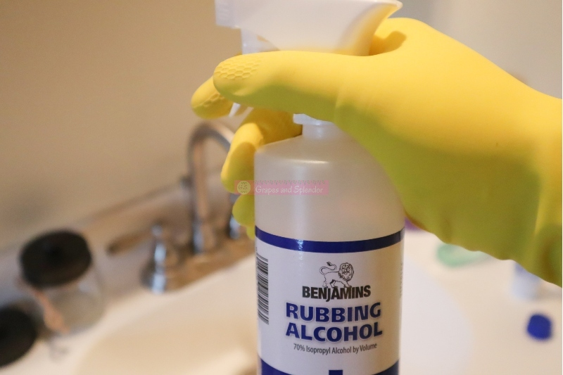 25 Ways To Use Rubbing Alcohol In The Home